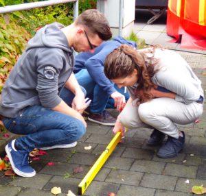 Studierende der Uni Siegen bei einer Schulung der Agentur Barrierefrei NRW