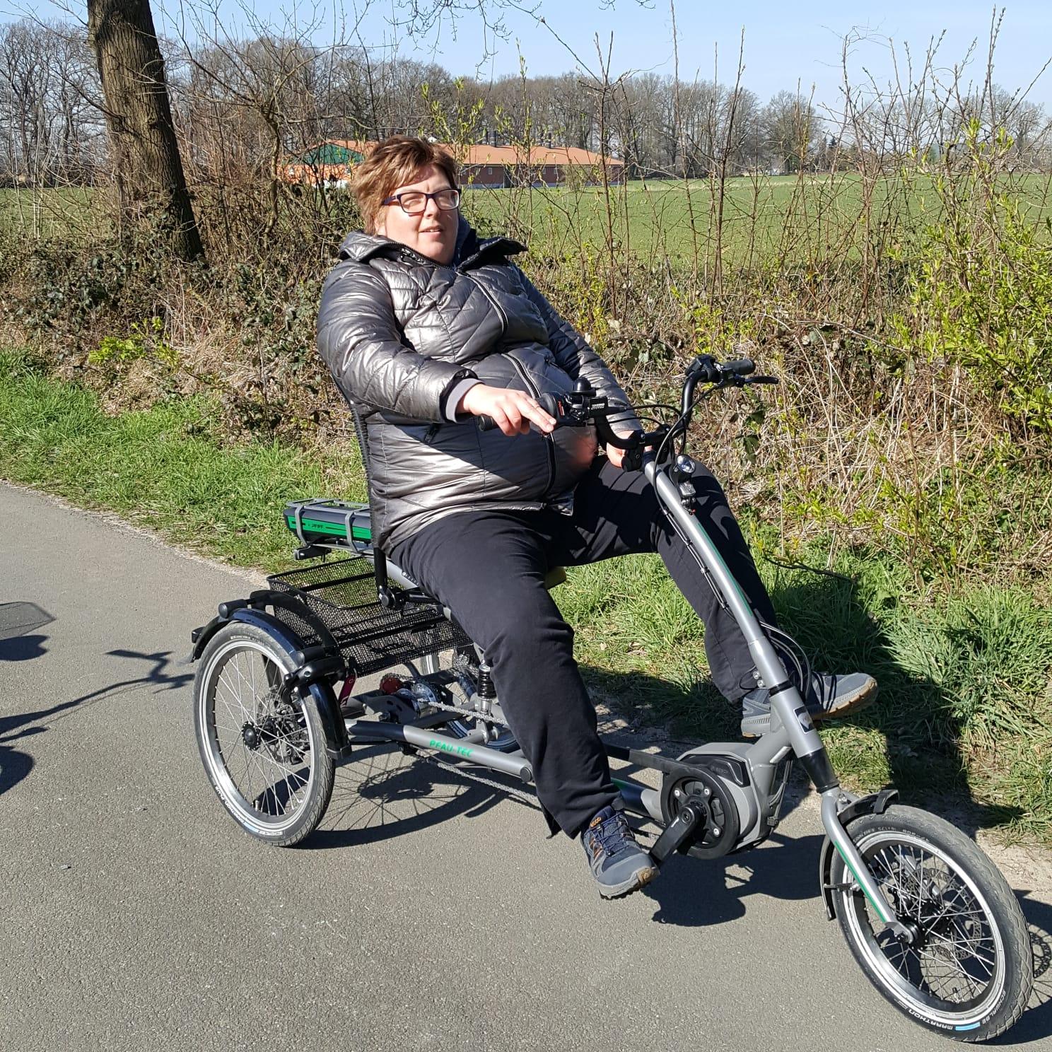 Foto von Sabine Gröver auf ihrem Dreirad