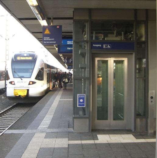 Foto von einem einfahrenden Zug