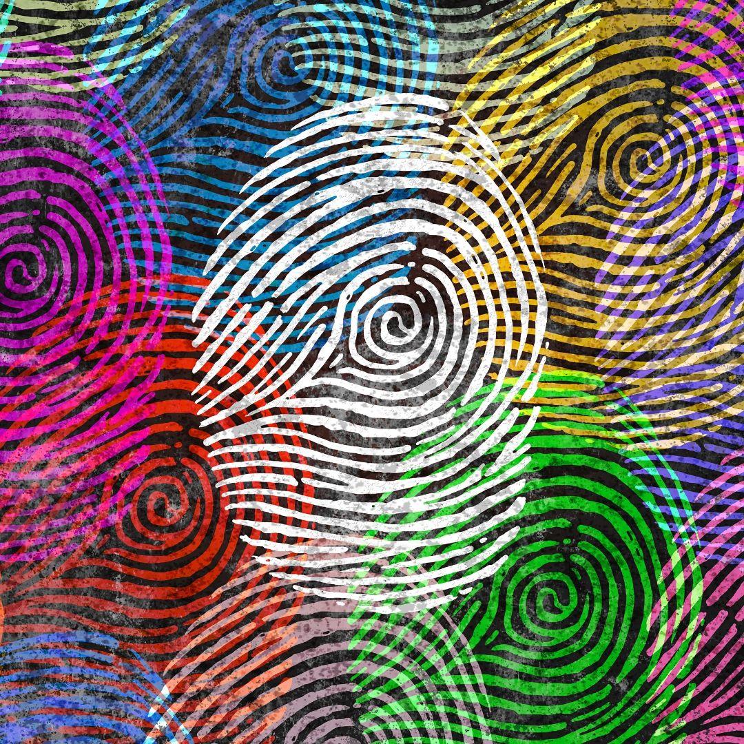 Viele bunte Fingerabdrücke, die sich überlappen.